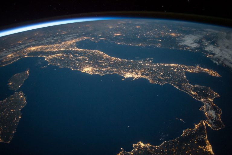 An NGSS-Aligned Earth and Space Science Curriculum